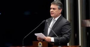 Senador-Cássio-Cunha-Lima-300x156 Cássio é o 6º senador do NE que mais gasta verba indenizatória, mostra portal