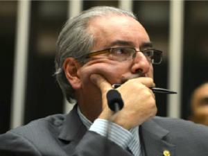X1DWQ5-1-300x225 Três em cada quatro brasileiros defendem cassação de Eduardo Cunha