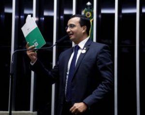 benjamin-2-310x245-300x237 Impeachment: Benjamin denuncia tentativa de compra de deputados