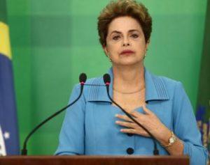 "dilmapronunciamento-310x245-300x237 ""Me sinto injustiçada"", diz Dilma Rousseff, em pronunciamento"