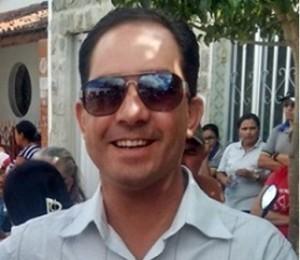 itinho-300x260-300x260 Médico Ítalo Siqueira confirma pré-candidatura a prefeito em Juazeirinho