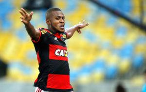 marcelocirino-flamengo-alexandrecassiano-glo2-300x190 Cirino aumenta sequência matadora, Fla domina Confiança e avança na Copa do Brasil