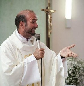 pe_carlinhos2-295x300-295x300 Padre Carlinhos se recupera bem e deve receber alta médica neste domingo