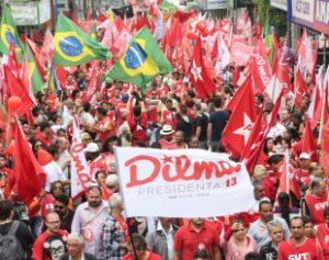 pt-1-1-300x237 PT perde 20% dos prefeitos após votação do impeachment de Dilma