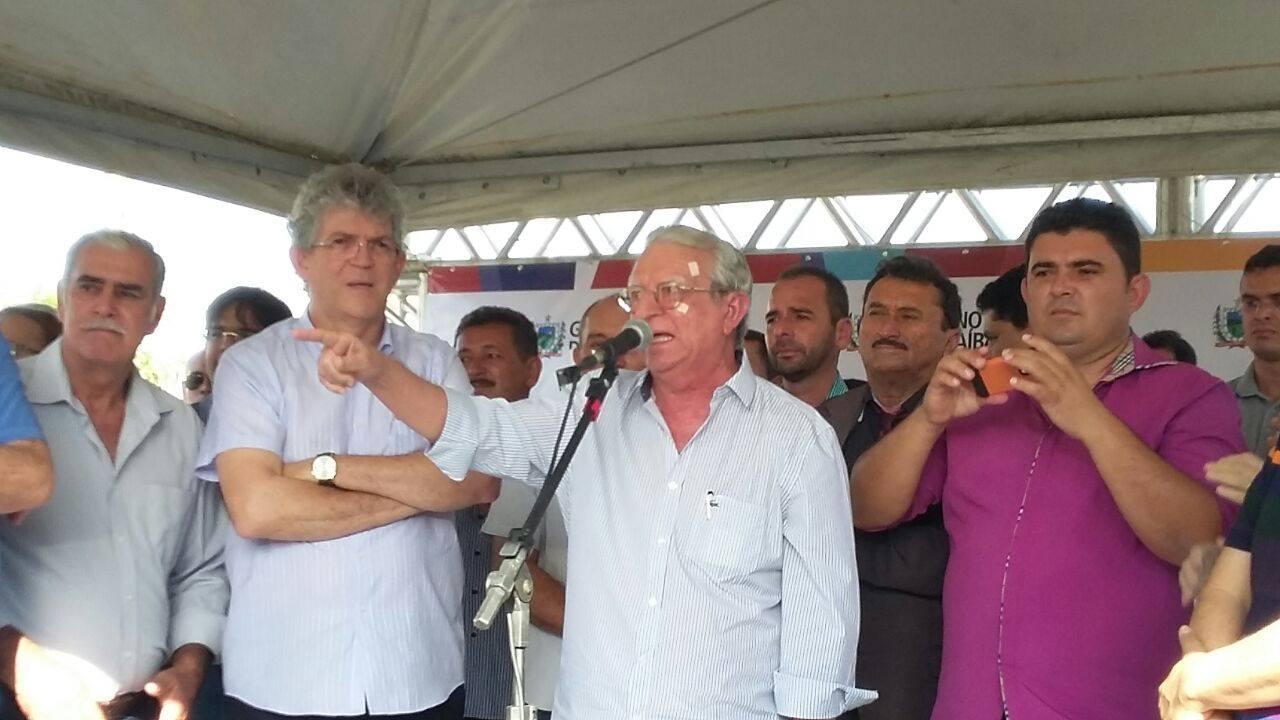 13129057_10206778759570714_1399557791_o Célio Barbosa inaugura rodovia ao lado de Ricardo Coutinho e Adriano Galdino