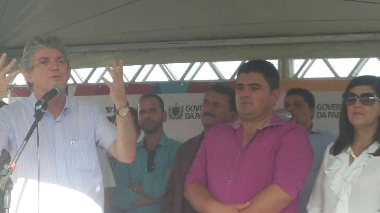 13161391_10206778760050726_691940372_o Célio Barbosa inaugura rodovia ao lado de Ricardo Coutinho e Adriano Galdino