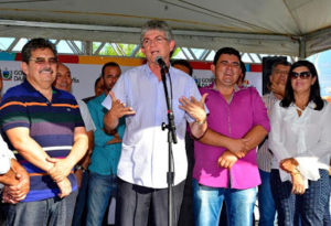 13164437_921102281335905_4662053403328257596_n-300x205 Célio Barbosa inaugura rodovia ao lado de Ricardo Coutinho e Adriano Galdino