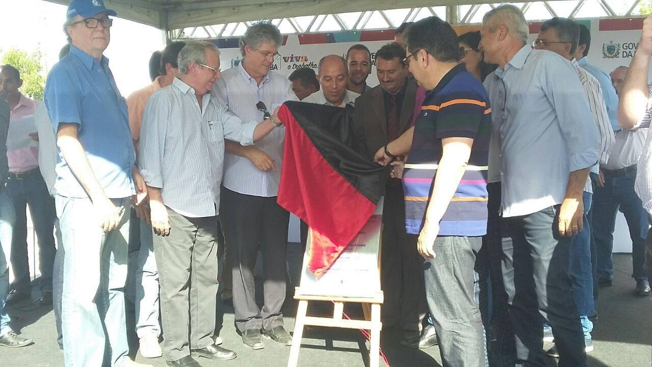 13170749_10206778759970724_1524230867_o Célio Barbosa inaugura rodovia ao lado de Ricardo Coutinho e Adriano Galdino