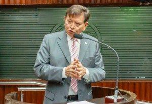 joao_henrique_al_pb-300x205-300x205 Deputado lamenta insegurança no Cariri e faz apelo por aumento do efetivo policial