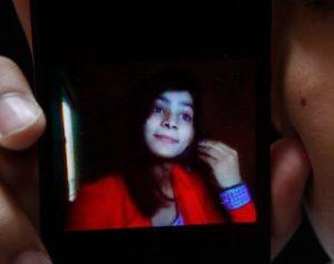 pakistan-honor-killin_fran-300x237 Mãe queima filha viva por se casar sem permissão no Paquistão