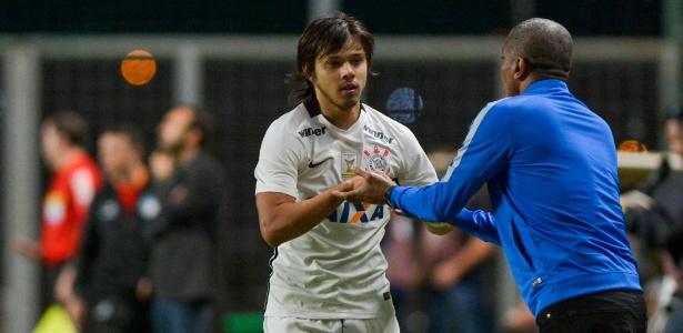 romero-comemora-gol-marcado-pelo-corinthians-contra-o-america-mg-1467253439370_615x300-300x146 Corinthians vence lanterna com partida segura e pressiona líder Palmeiras