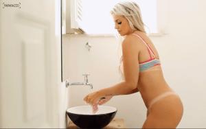 veridiana-6-1-300x188 Veridiana Freitas fica completamente nua em ensaio sensual; veja fotos