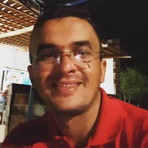 13442242_10204702802848390_6067714650925906553_n-300x300 Secretario de São João do Tigre faz desafio a pré-candidato a vereador e coloca cargo a disposição