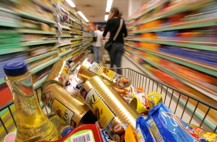 1401984108574-cesta-basica-300x196 Feijão, manteiga e leite ficam mais caros e elevam o valor da cesta básica