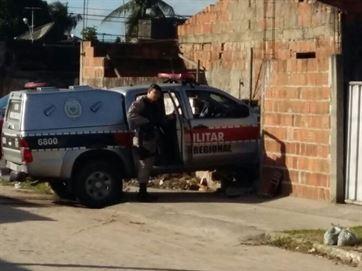 16623736280003622710000-300x225 Viatura da PM bate em muro durante perseguição a suspeitos na Grande João Pessoa