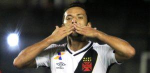 nene-comemora-o-primeiro-gol-do-vasco-contra-o-brasil-de-pelotas-1468105136087_615x300