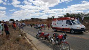 zabele-acidente-300x169 Colisão entre motocicletas deixa 3 feridos em Zabelê na PB 264
