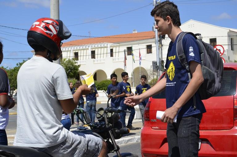 069be89e-843c-45f9-ac28-fc695454979f-1 IFPB Campus Monteiro promove blitz educativa no trânsito