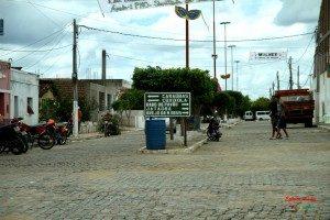 5528963841_f8c32d80ff_b-300x200-300x200 Veículo é furtado em frente a Hospital no Congo