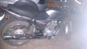 63a71119-894c-4cc5-8304-9faca6db6221-300x169 PM recupera moto roubada na zona ruralde Monteiro