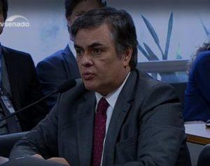 Cássio-310x245-1-300x237 Senado inicia votação e Cássio apresenta requerimento contra excluir inegibilidade