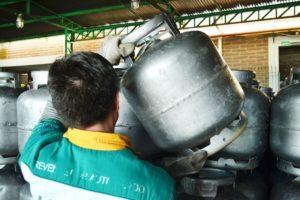 gas___preco_botijao___paulo_pires__2_-1031067-300x200 Gás de cozinha terá aumento de 10% a partir desta quinta