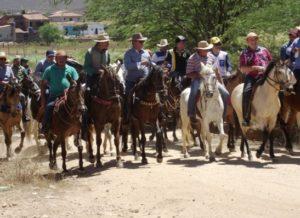 timthumb-11-300x218 Cavalgada da União atrai centenas de cavaleiros no Cariri