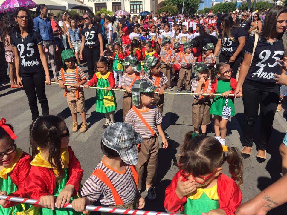 14192508_1049844341778215_9062195349734291717_n Desfile cívico de Monteiro marca comemoração ao dia 07 de setembro, veja as imagens