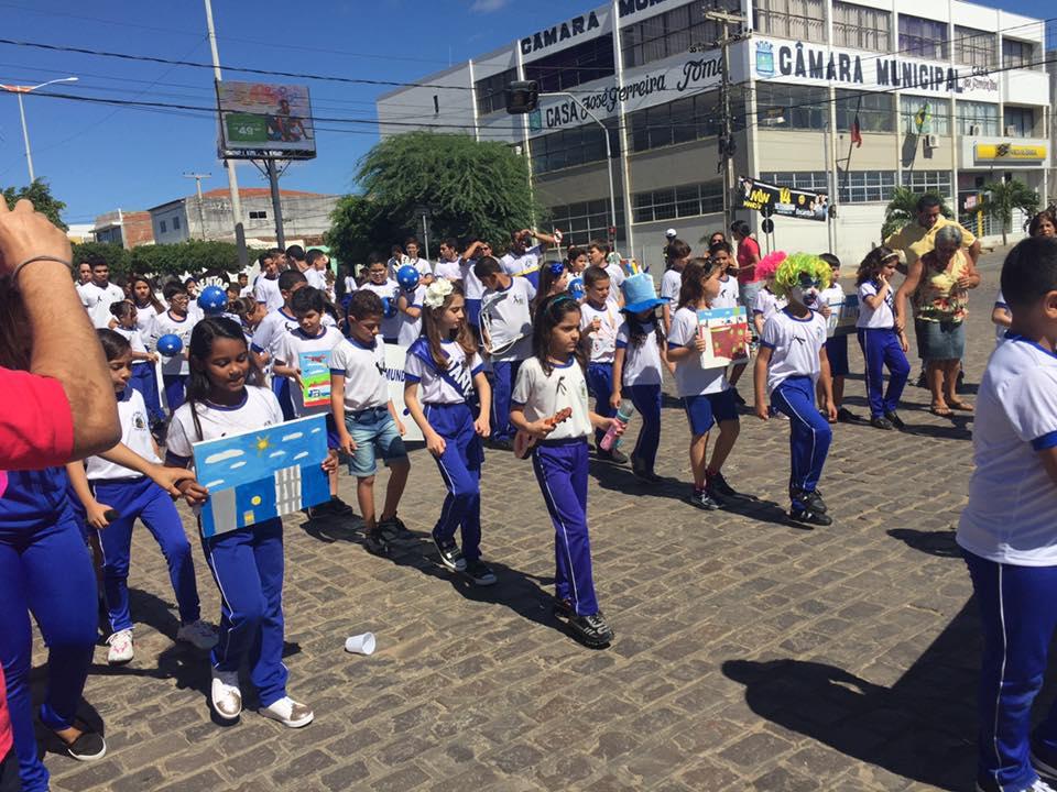 14203296_1148824281841677_6537402934833425231_n Desfile cívico de Monteiro marca comemoração ao dia 07 de setembro, veja as imagens