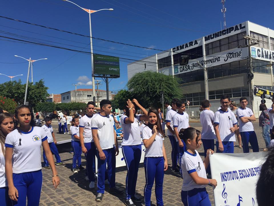 14212842_1148824065175032_7243418131603057049_n Desfile cívico de Monteiro marca comemoração ao dia 07 de setembro, veja as imagens