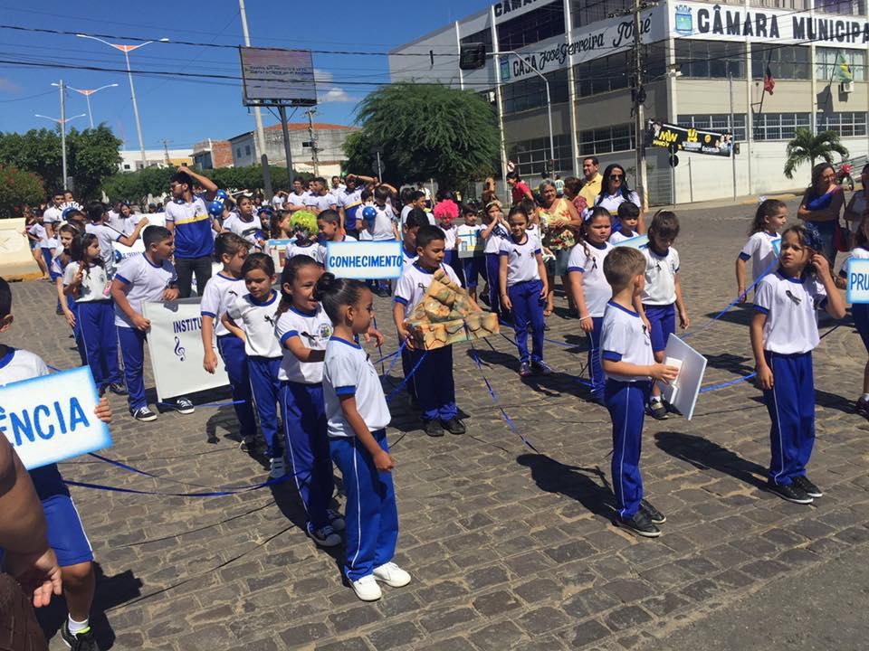 14224702_1148824328508339_5916025415046054520_n Desfile cívico de Monteiro marca comemoração ao dia 07 de setembro, veja as imagens