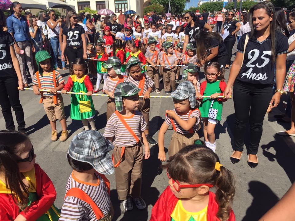 14224868_1049844361778213_20718044134519226_n Desfile cívico de Monteiro marca comemoração ao dia 07 de setembro, veja as imagens