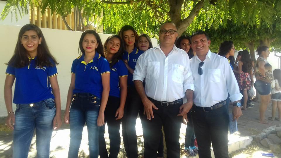 14233200_10201844126541646_804092228874586936_n Desfile cívico de Monteiro marca comemoração ao dia 07 de setembro, veja as imagens