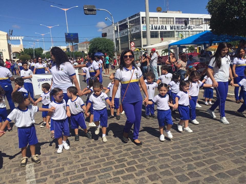 14238080_1148824695174969_8472908147811433914_n Desfile cívico de Monteiro marca comemoração ao dia 07 de setembro, veja as imagens