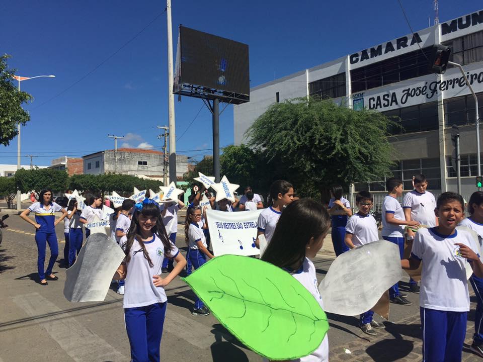 14265101_1148823568508415_8390691698623941026_n Desfile cívico de Monteiro marca comemoração ao dia 07 de setembro, veja as imagens