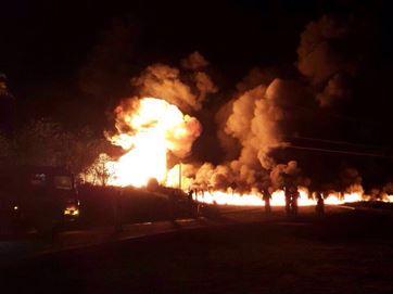 16838236280003622710000-300x225 Caminhão tanque pega fogo às margens de BR, na Grande JP; veículo havia sido roubado