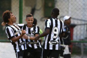 20160907180449_0-300x200 Botafogo supera o Flu e confirma boa fase