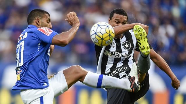 20160911180247_0-1 Botafogo bate o Cruzeiro e emenda terceira vitória