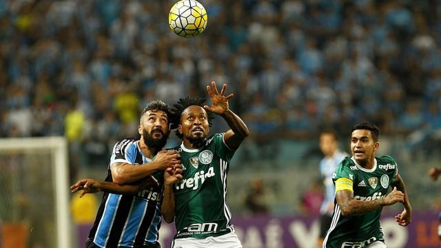 20160911202947_0-1-300x169 Palmeiras segura o Grêmio em Porto Alegre