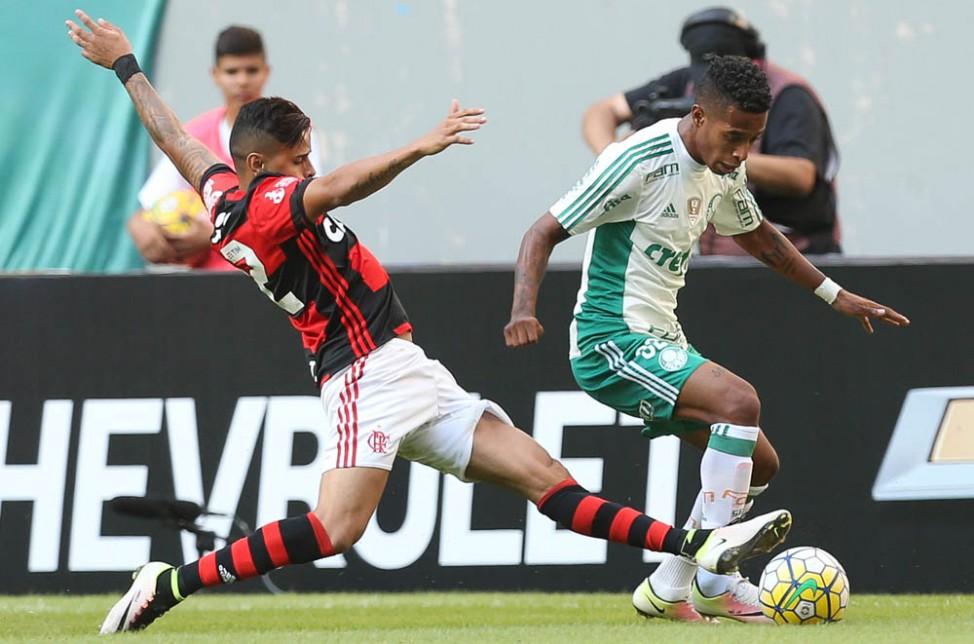 20160913154038_0 Flamengo e Palmeiras duelam pela liderança