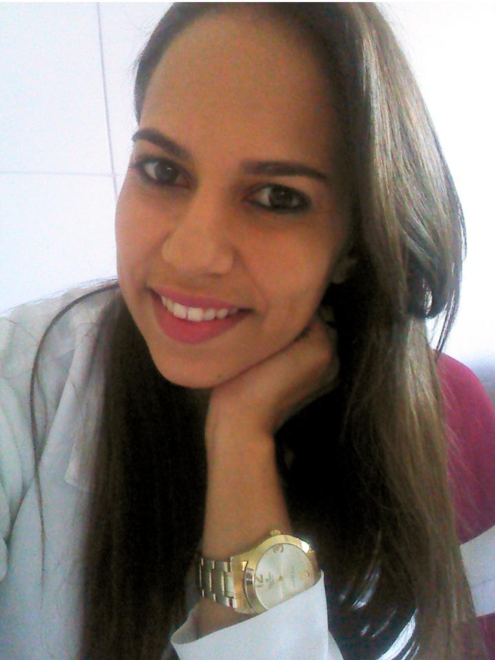 Dr-Rafaela Em Monteiro Pet Shop e consultório Amigo Bicho