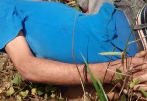 corpo-300x206 Corpo crivado de balas e com mãos amarradas é encontrado na divisa da Paraíba com Pernambuco