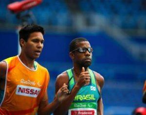 odair-santos-conquista-medalha-de-prata-na-paraolimpiada-do-rio-1473341389966_v2_900x506-310x245-300x237 Odair Santos é prata no atletismo e conquista 1ª medalha do Brasil