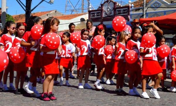 thumbs-1 Desfile cívico de Monteiro marca comemoração ao dia 07 de setembro, veja as imagens