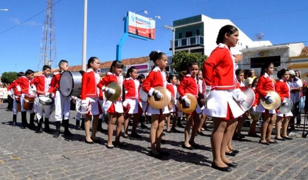 thumbs-11 Desfile cívico de Monteiro marca comemoração ao dia 07 de setembro, veja as imagens