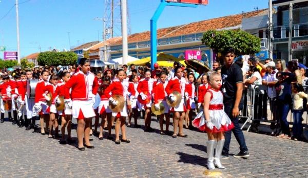 thumbs-3 Desfile cívico de Monteiro marca comemoração ao dia 07 de setembro, veja as imagens