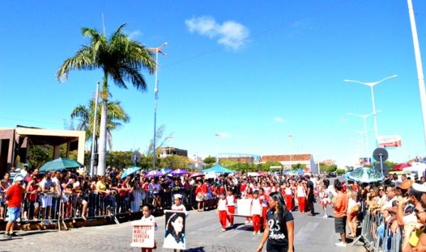thumbs-5 Desfile cívico de Monteiro marca comemoração ao dia 07 de setembro, veja as imagens