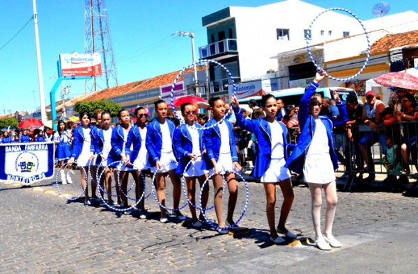thumbs-8 Desfile cívico de Monteiro marca comemoração ao dia 07 de setembro, veja as imagens