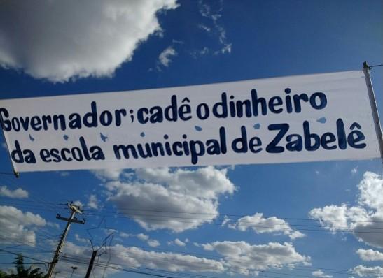 timthumb-1-3 Moradores da cidade de Zabelê recebem Ricardo com protestos e cobranças