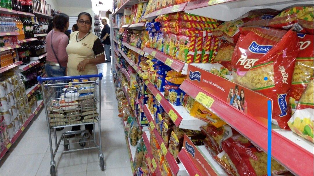 14689772_10208041772985260_18912576_o Supermercado Compre Mais é inaugurado em Monteiro